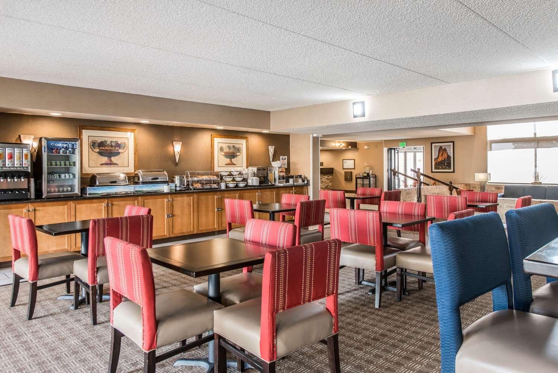 Restaurant - Comfort Inn & Suites Denver
