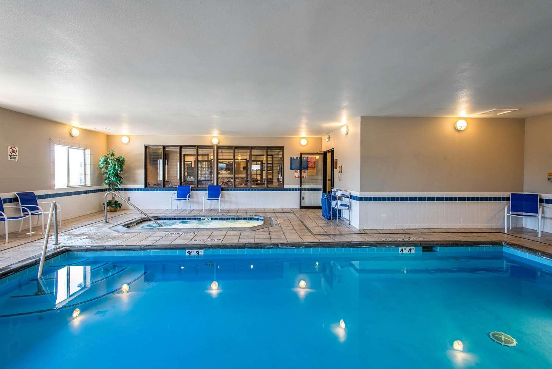 Pool - Rodeway Inn Loveland