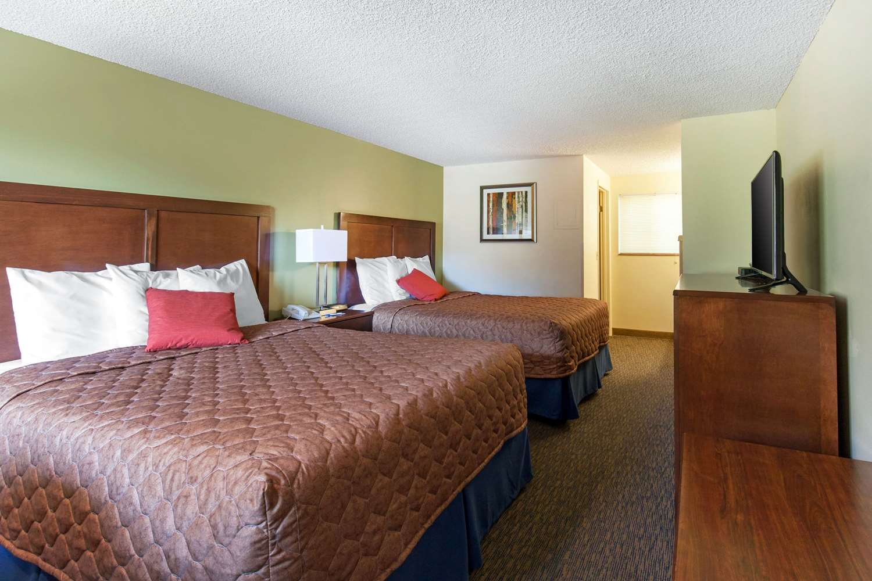 Room - Rodeway Inn Glenwood Springs