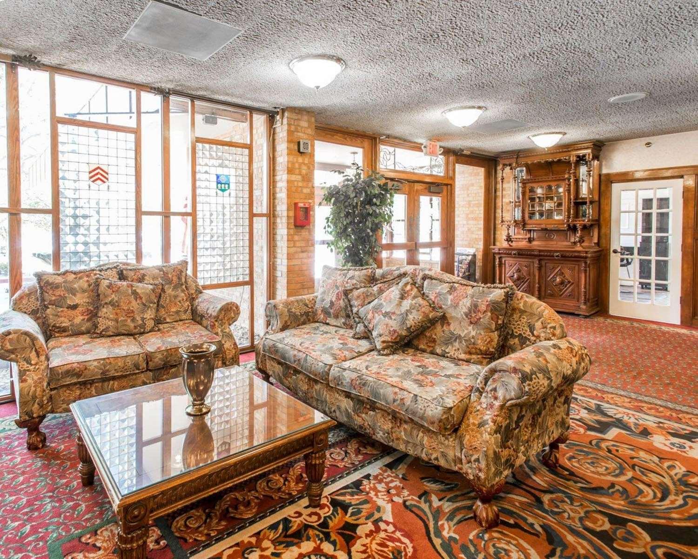 Lobby - Rodeway Inn & Suites Boulder
