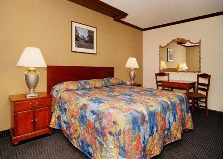 Room - Rodeway Inn & Suites Boulder