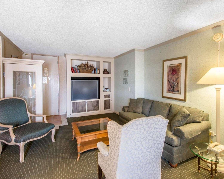 Suite - Rodeway Inn & Suites Boulder