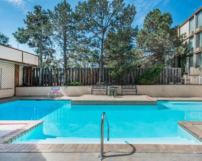 Pool - Rodeway Inn & Suites Boulder