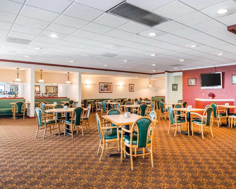 Restaurant - Clarion Inn Pueblo