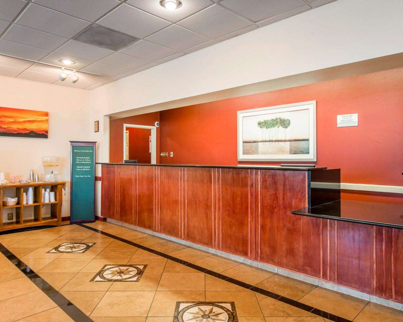 Lobby - Clarion Inn Pueblo