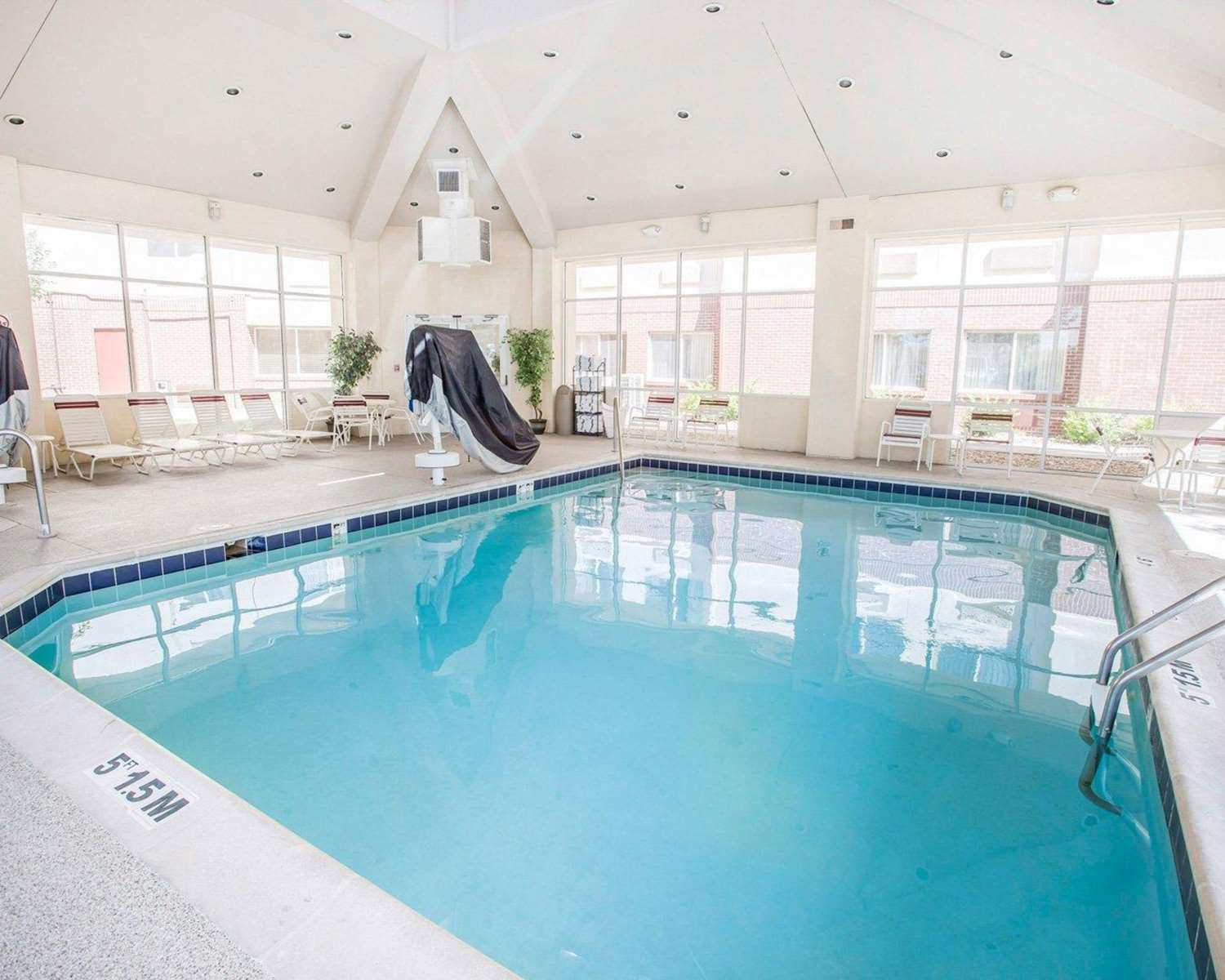 Pool - Quality Inn & Suites Denver