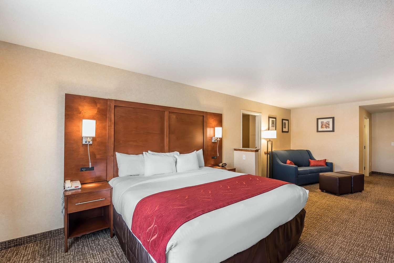 Suite - Comfort Suites Firestone