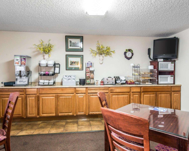 Restaurant - Rodeway Inn Manitou Springs