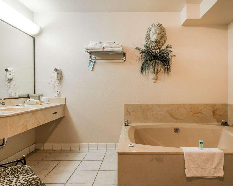 Suite - Rodeway Inn Manitou Springs