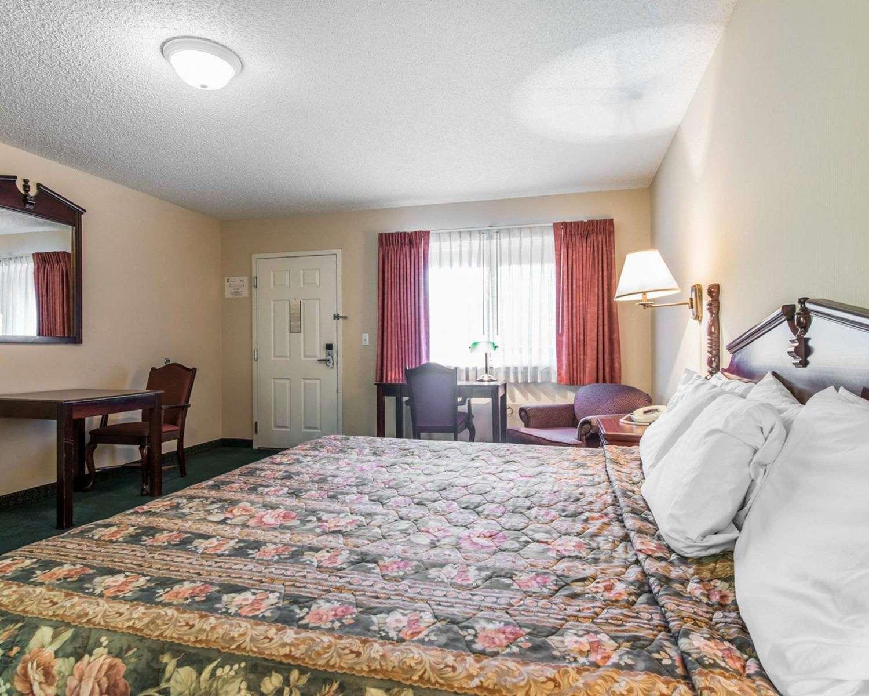 Room - Rodeway Inn Manitou Springs