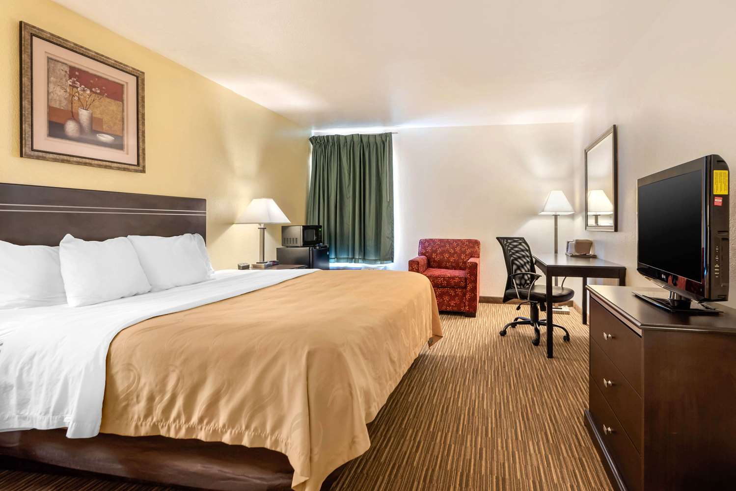 Room - Quality Inn & Suites Limon