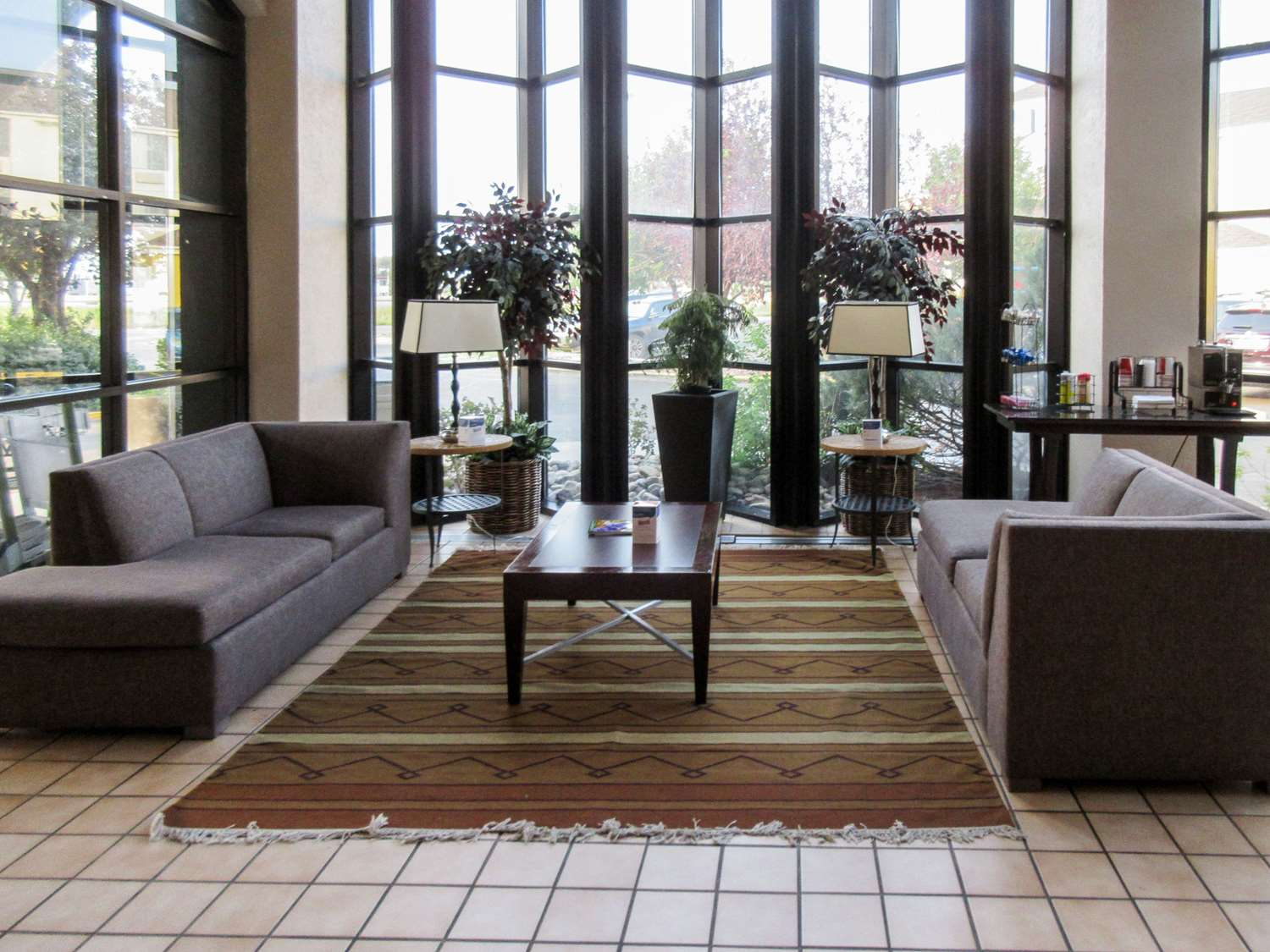 Lobby - Clarion Inn Fort Collins