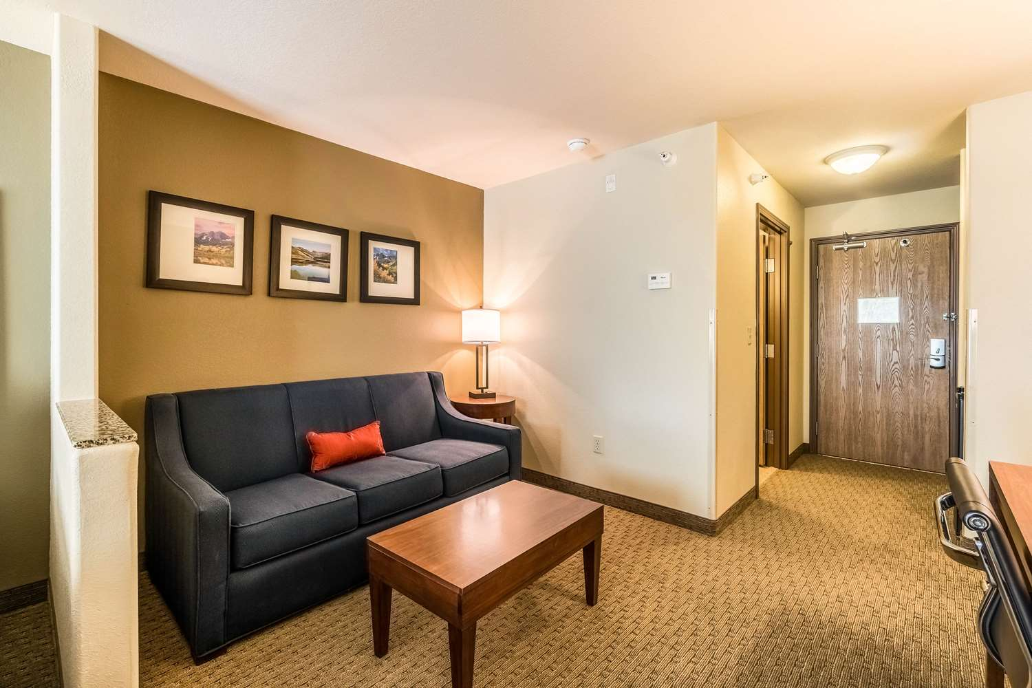 Room - Comfort Inn & Suites Rifle