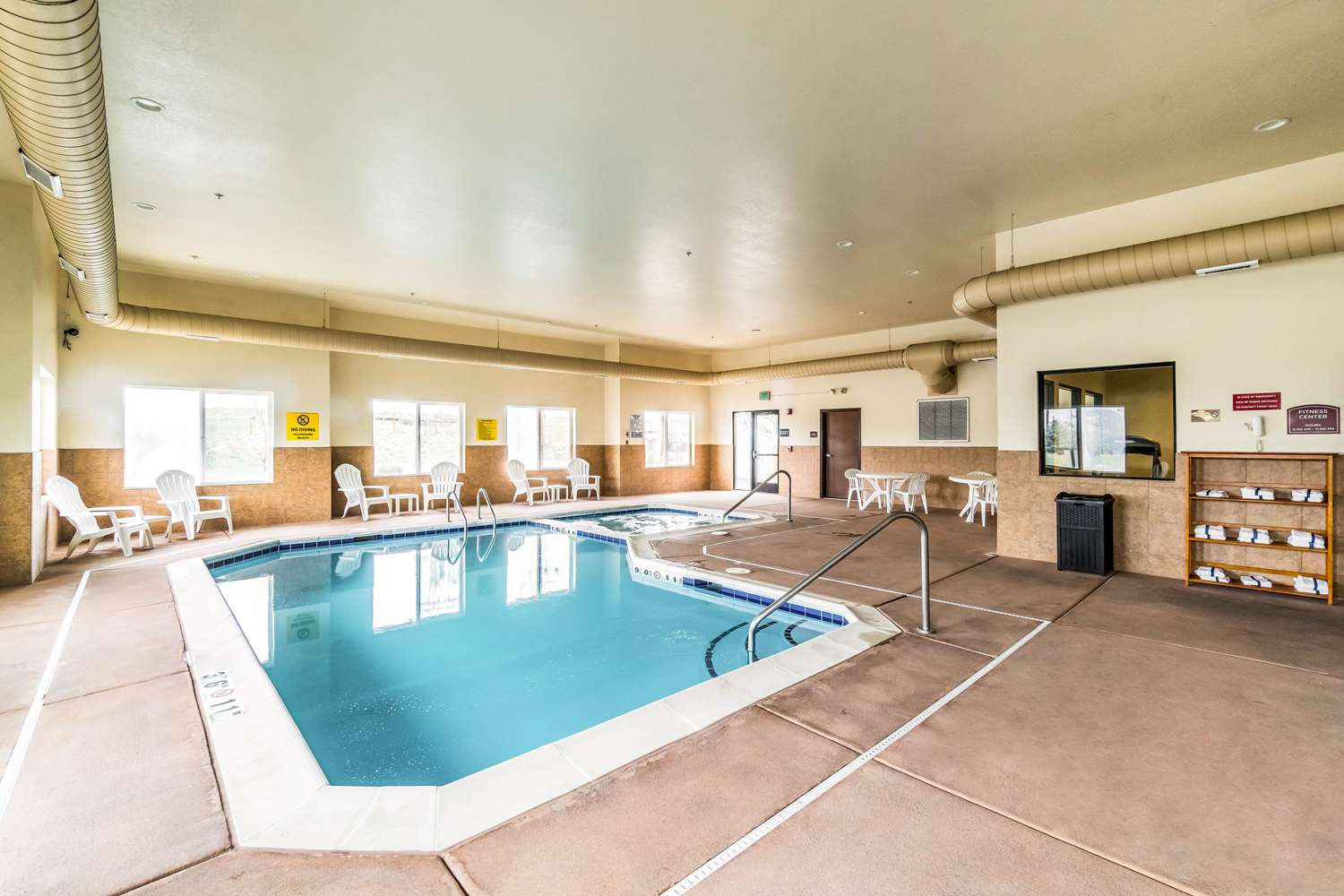 Pool - Comfort Inn & Suites Rifle