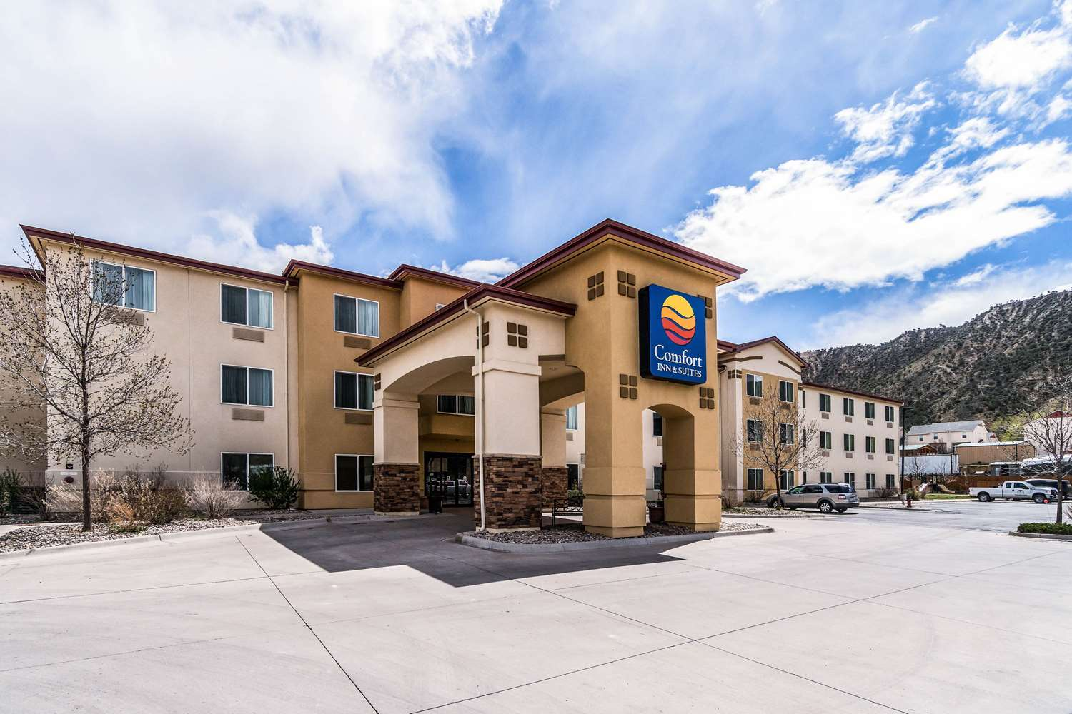 Exterior view - Comfort Inn & Suites Rifle