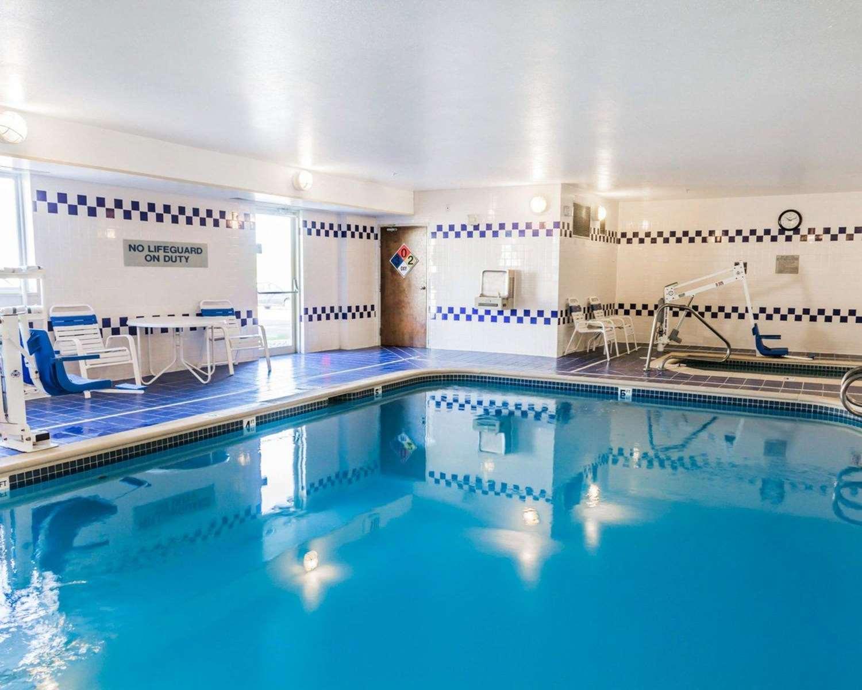Pool - Quality Inn Golden