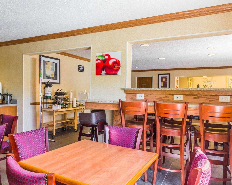 Restaurant - Quality Inn Golden