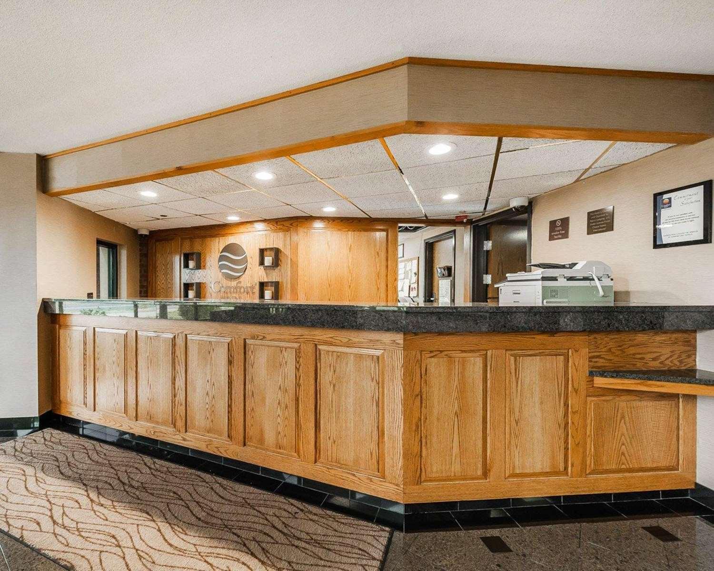 Lobby - Comfort Inn Airport Denver