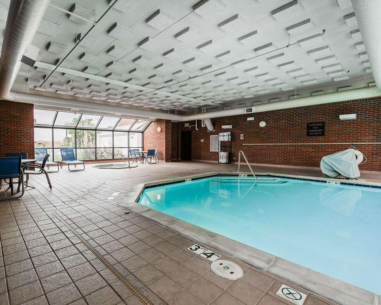 Pool - Comfort Inn Airport Denver