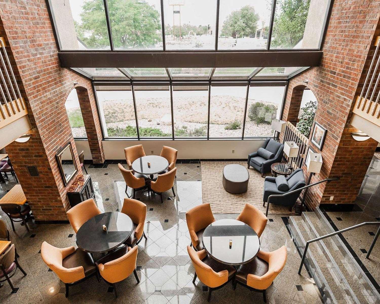Restaurant - Comfort Inn Airport Denver