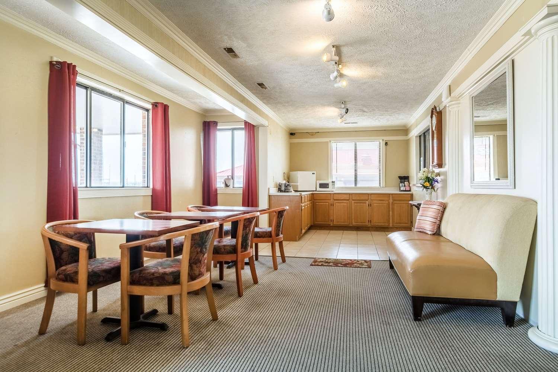 Lobby - Rodeway Inn Limon