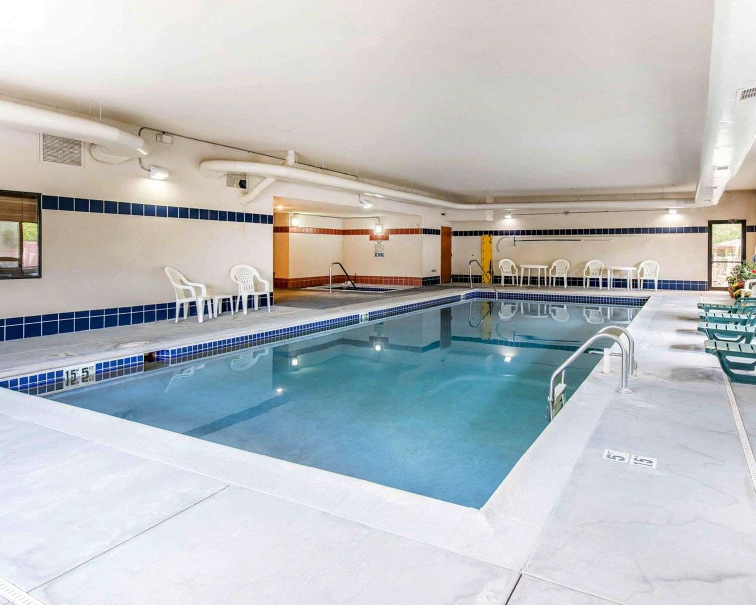 Pool - Comfort Inn Salida