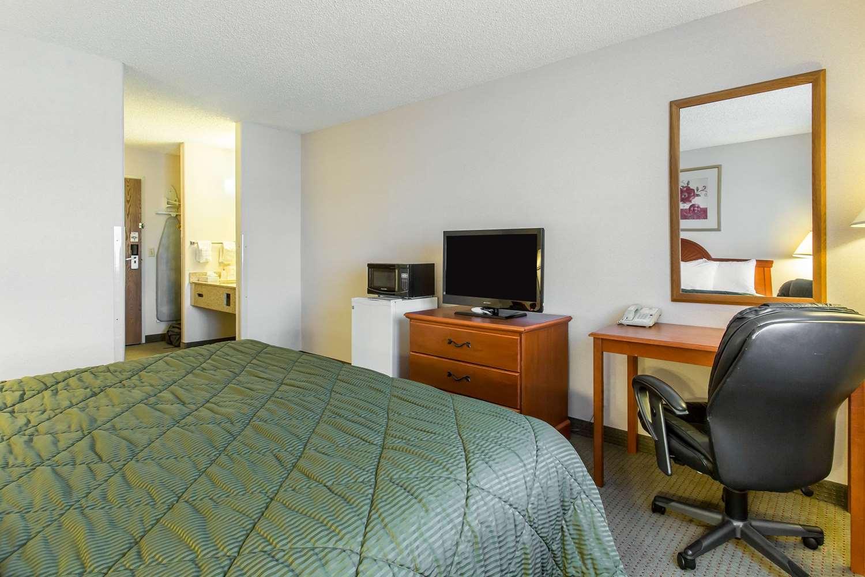 Room - Quality Inn Delta