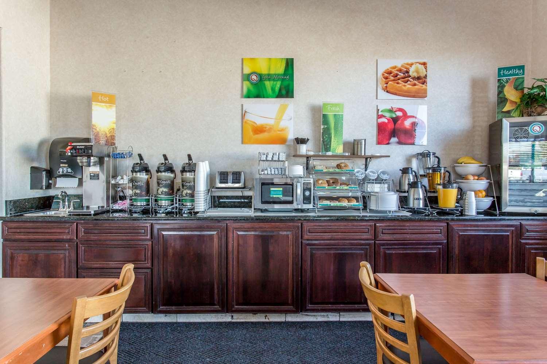 Restaurant - Quality Inn Delta