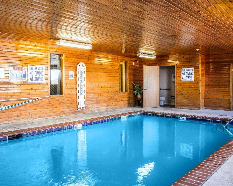 Pool - Quality Inn Longmont