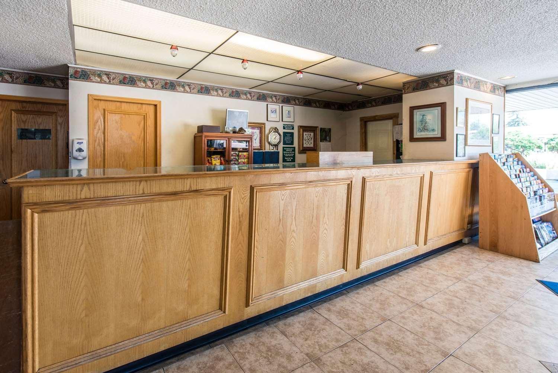 Lobby - Rodeway Inn & Suites Colorado Springs