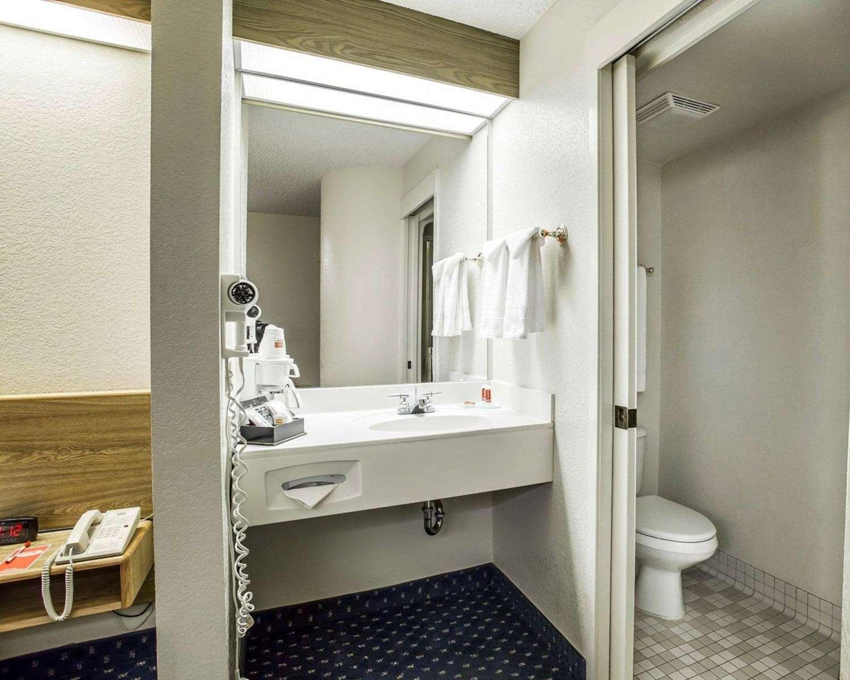 Room - Econo Lodge Denver Airport Aurora