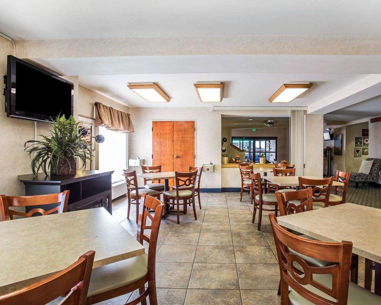 Restaurant - Econo Lodge Denver Airport Aurora