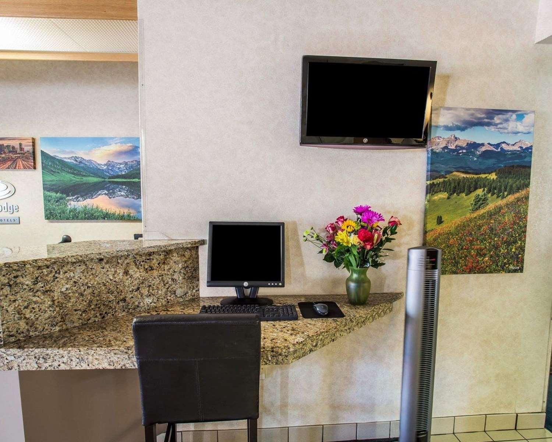 Conference Area - Econo Lodge Denver Airport Aurora
