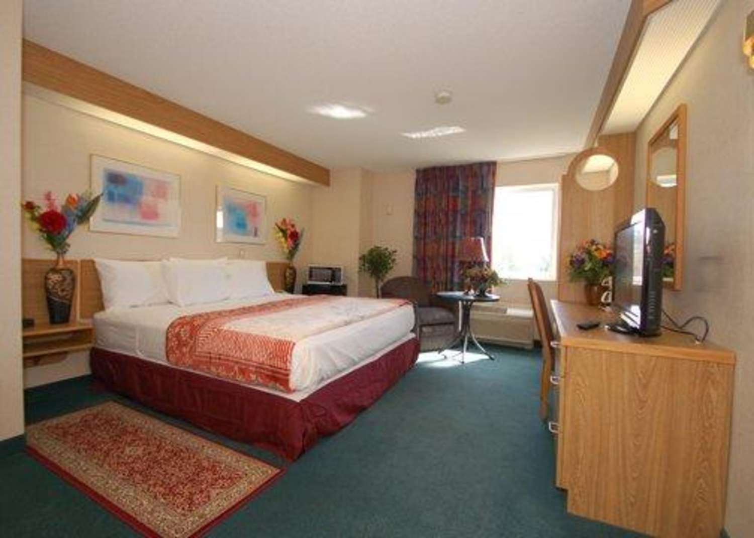 Room - Rodeway Inn Willington