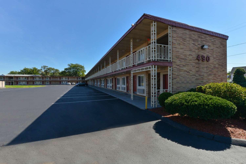 Exterior view - Econo Lodge East Hartford