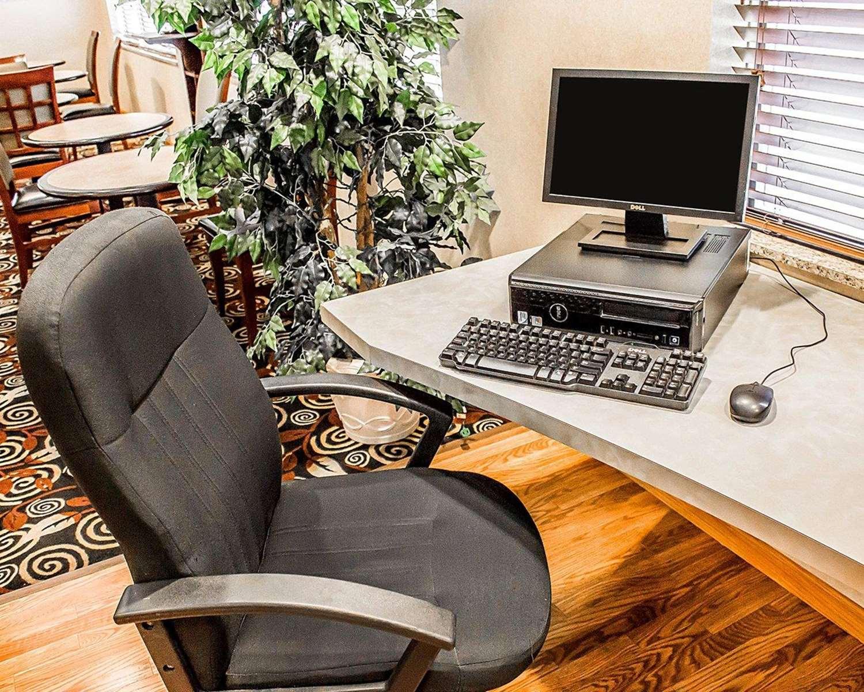 Conference Area - Comfort Suites Southington