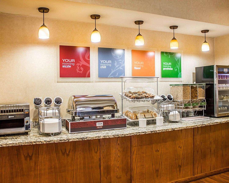 Restaurant - Comfort Suites Southington
