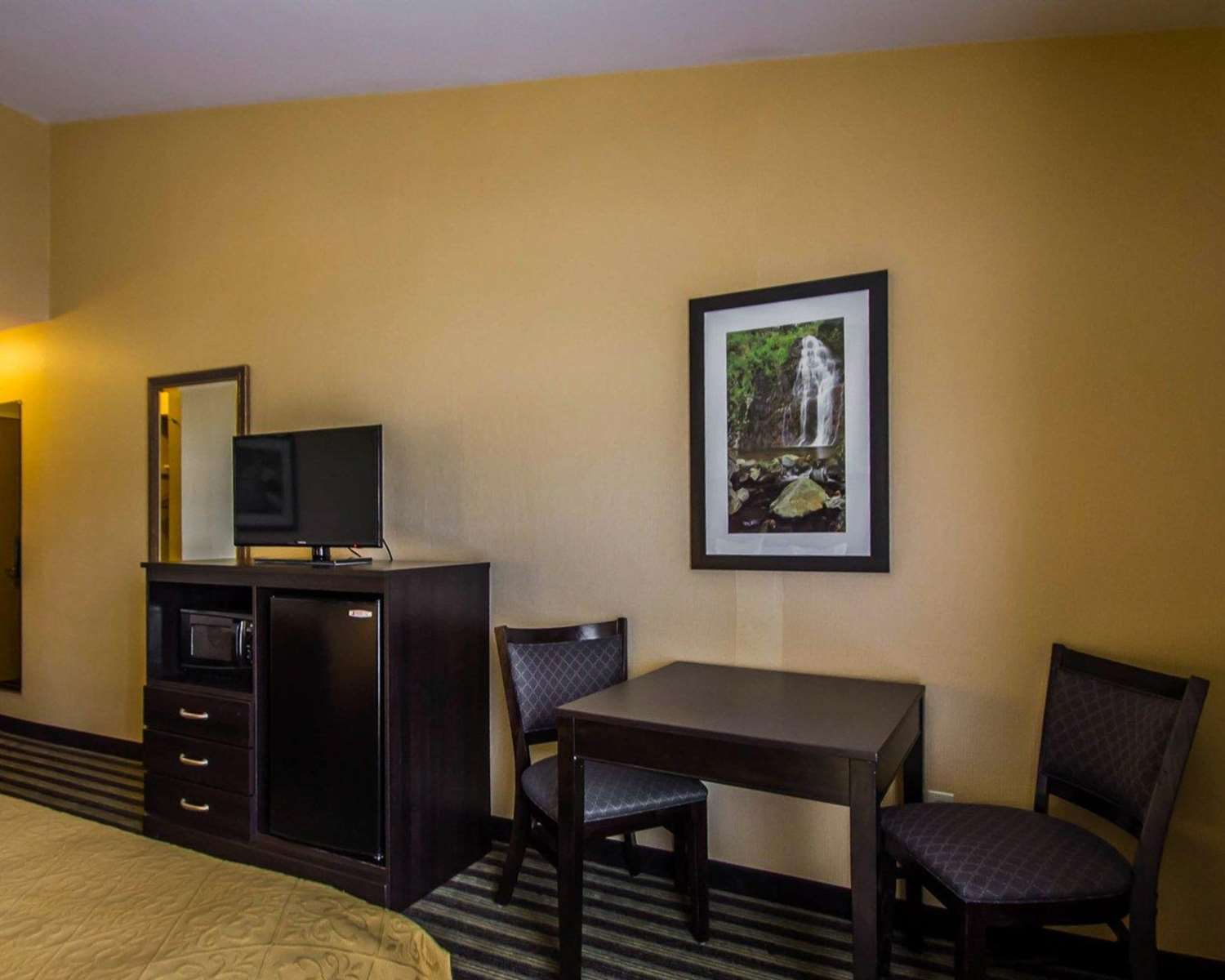 Room - Quality Inn East Haven