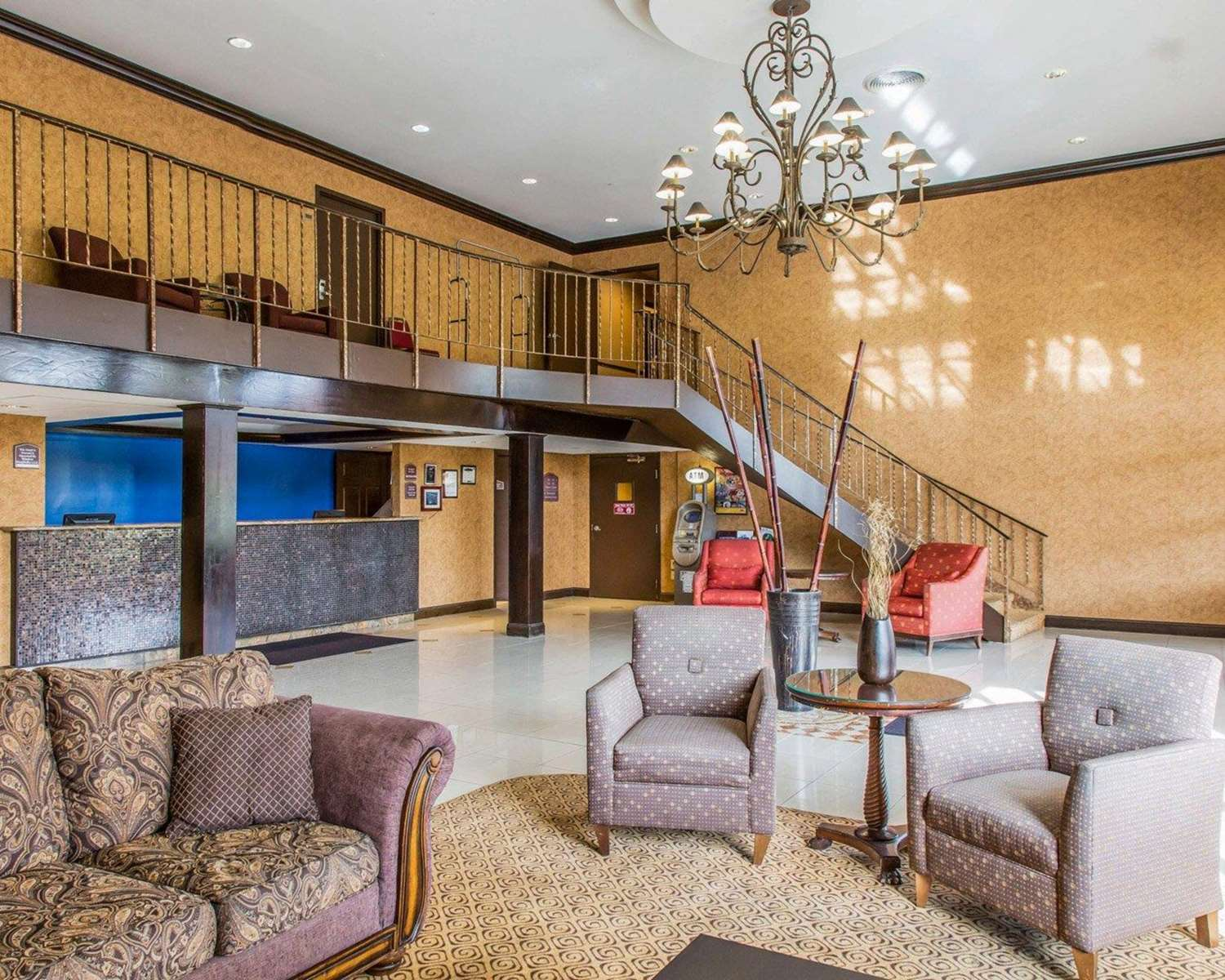 Lobby - Rodeway Inn & Suites East Windsor