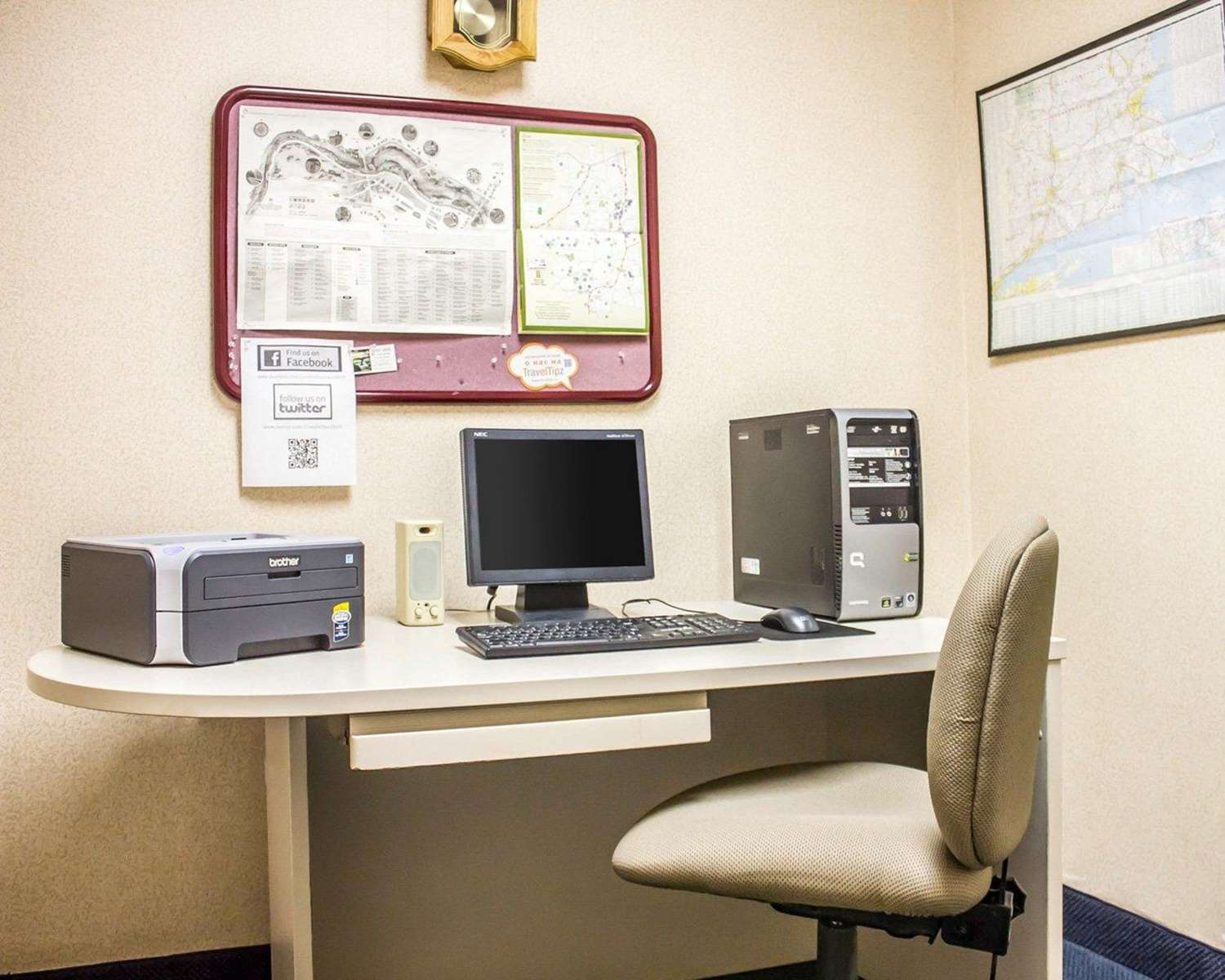 Conference Area - Comfort Inn & Suites Dayville