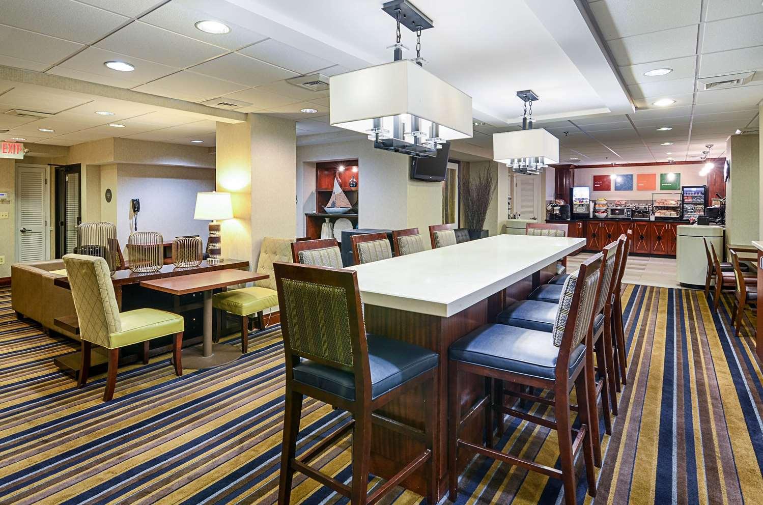 Restaurant - Comfort Inn Downtown Convention Center DC