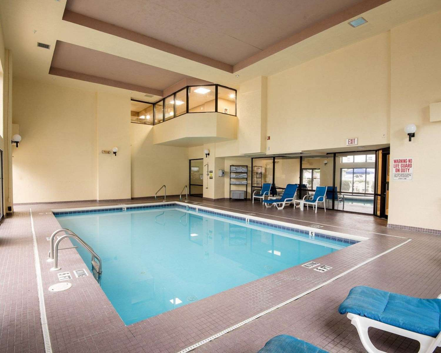 Pool - Quality Inn & Suites Rehoboth Beach