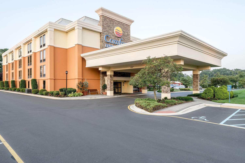 comfort inn suites newark de see discounts rh hotelguides com