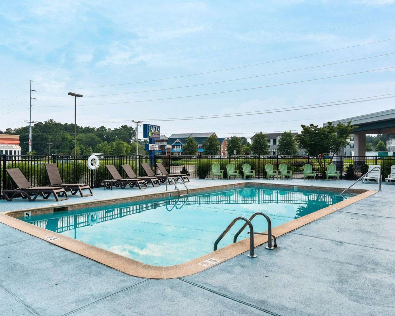 Pool - Comfort Inn Rehoboth Beach