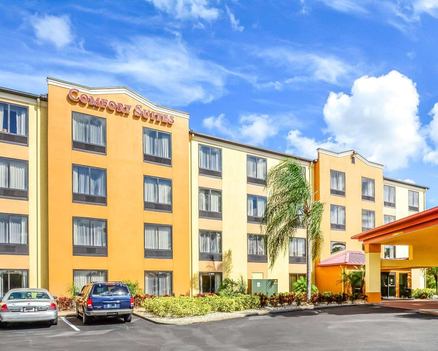 Exterior view - Comfort Suites Southeast Tampa