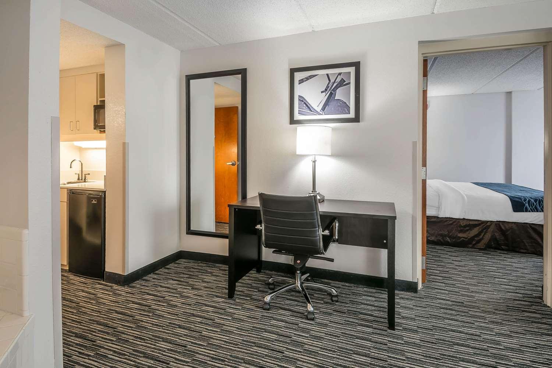 Suite - Comfort Inn West Gainesville
