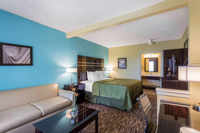 Suite - Quality Suites Deerfield Beach