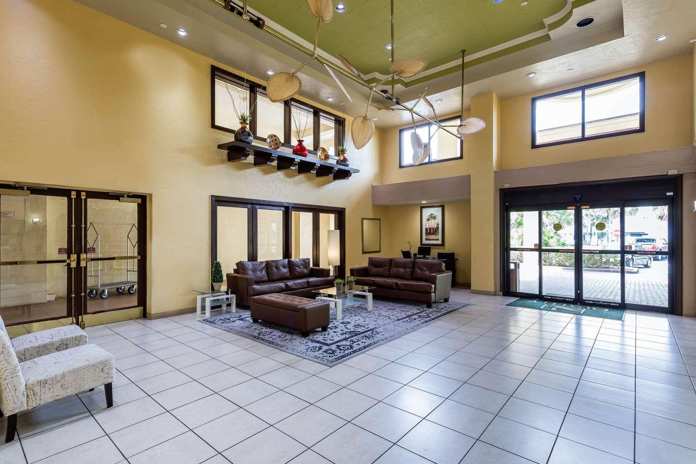Lobby - Quality Suites Deerfield Beach