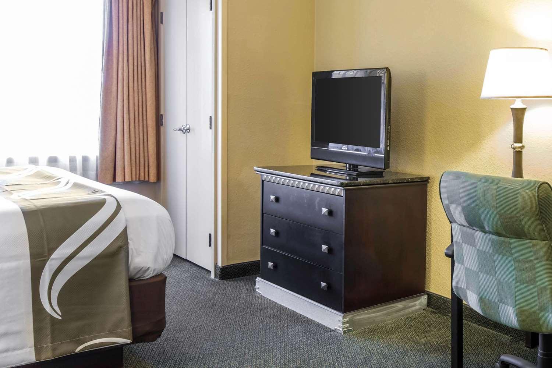 Suite - Quality Suites Universal South Orlando
