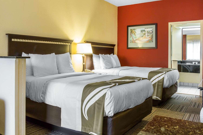 Room - Quality Suites Universal South Orlando